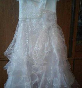 Бальное платье на 9-10 лет цена 1000р .