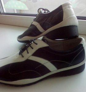 Ботинки кожаные новые 39 р-р