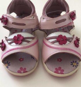 Новые сандали, натуральная кожа