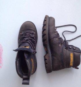 Демисезонные ботинки фирмы CAT