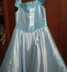 Платье на 6-8 лет