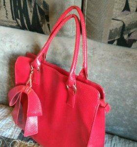 Продам удобную стильную сумку.