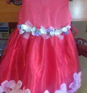 Платье на девочку рост 104-107