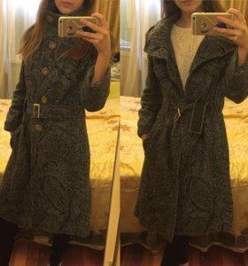 Серое пальто классика