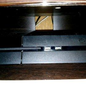 PlayStation 4 в идеальном состоянии