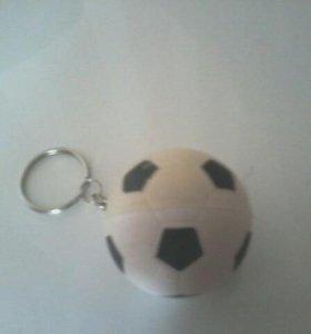 Брелок-мяч
