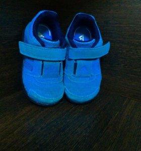 Кроссовки adidas (оригинал), размер 23