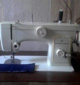 Швейная машина Чайка-132М