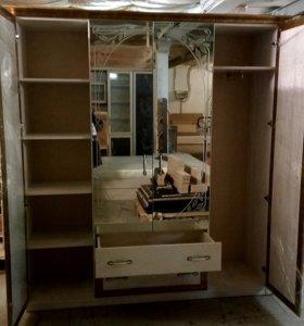Шкаф 4-х створчатый с зеркалами