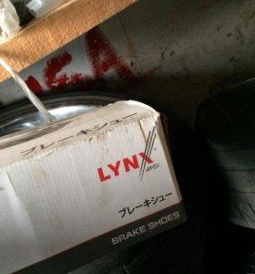 Колодки тормозные зад toyota hilux Surf LN130