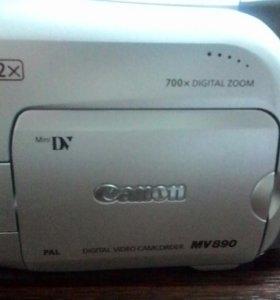 Видеокамера Canon MV890
