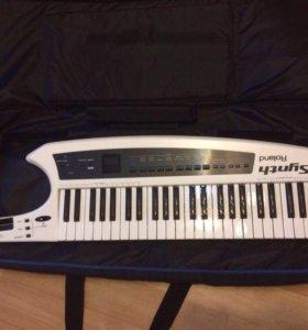 Продаётся клавитара , расчёска .
