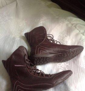 Новые кожаные кроссовки Sprandi 39-39.5