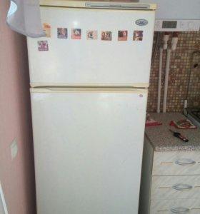 Холодильник неисправен.