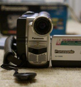 Видеокамера NV-DS60