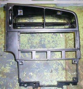 Рамка центральной консоли VW Passat B 3