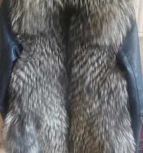 Жилет чернобурка+куртка кожа р.42