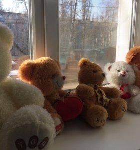 Игрушки медведи