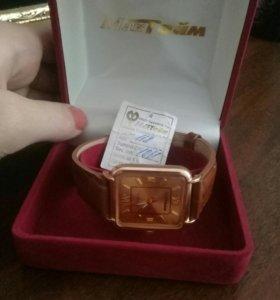 МакТайм золотые часы