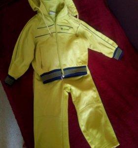 Спортивный костюм утепленный на 2-4 года