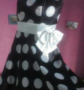 Платье в горошек с бантом