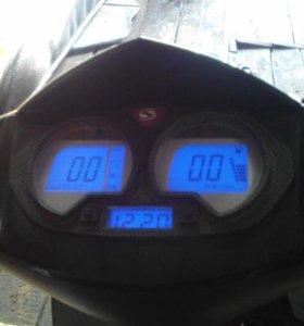 Скутер стелс150