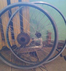 Колеса и покрышки для велосипеда