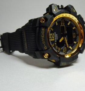 Мужские часы G-shock золотого цвета