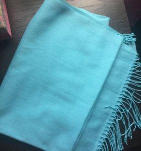 Очень красивый голубой шарф