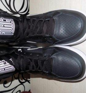 Фирменные Nike