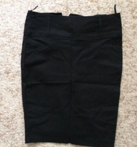 Продам офисную юбку по колено