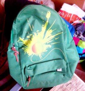 Рюкзак новый, удобный, вместительный