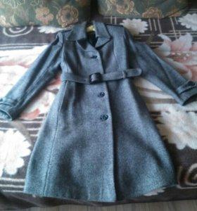Серое пальто п/ш, носила недолго. Стало мало