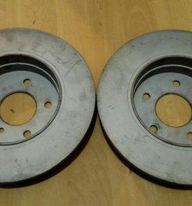 Задние тормозные диски на Мерседес 210