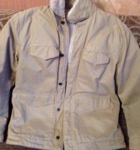 Продам шикарную фирменную куртку на весну размер54
