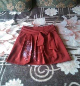 Бордовая юбка, надевала несколько раз, стала мала