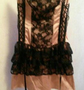 Коктейльное платье с корсетом.S