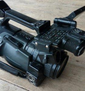 Профессиональная видеокамера HVR-Z1E