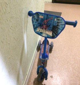 Детский трехколёсный самокат