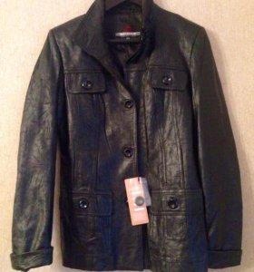Новая кожаная куртка 46