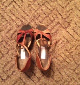 Спортивно-бальные туфли