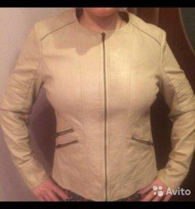 Куртка зам.кожа в отличном состоянии!!!
