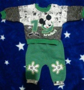 Тепленький костюм на малыша 68 размер