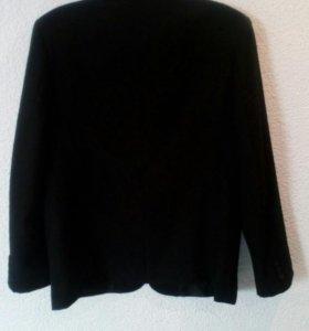 Продам пиджак JULI