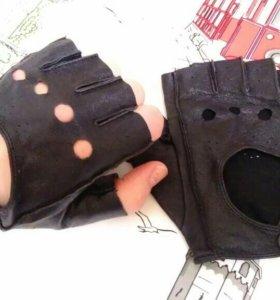 Перчатки женские автомобильные