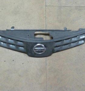 Решетка радиатора Nissan