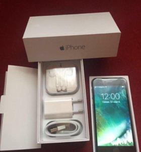 iPhone смартфон