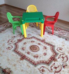 Детский столик 2 шт и 3 стульчика