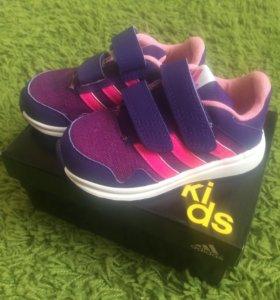 Кроссовки на девочку Adidas Kids новые
