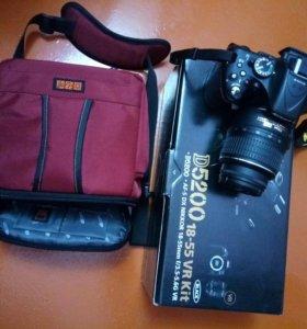 Nikon D 5200 18 - 55 VR Kit.